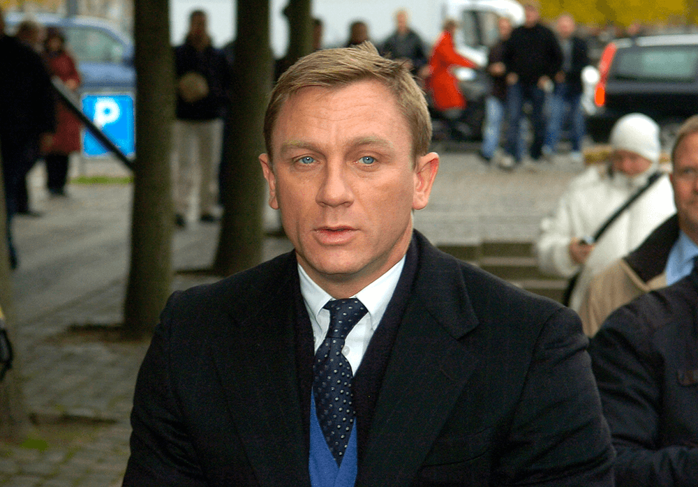 Daniel Craig alias James Bond