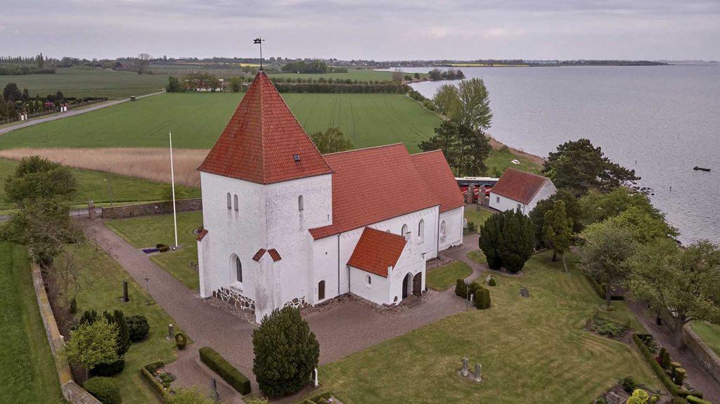 Fejø Kirke Dronefoto
