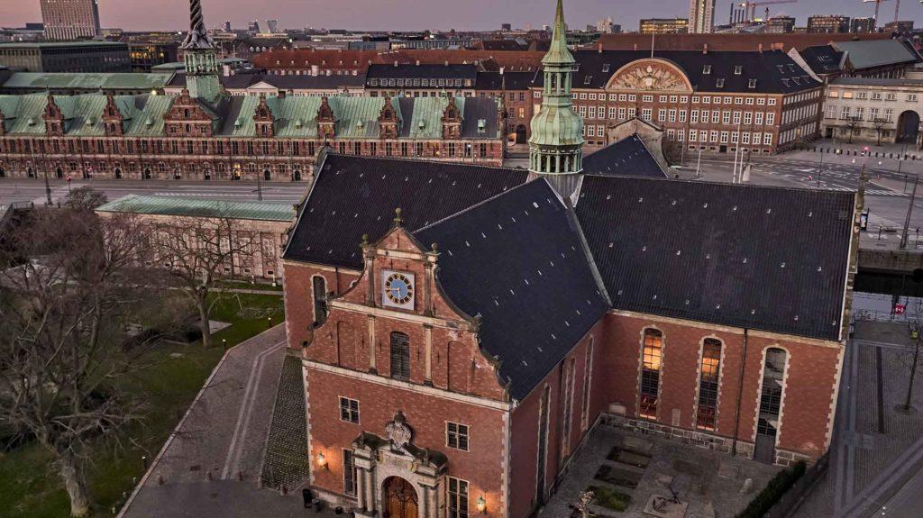 Holmens Kirke Dronefoto